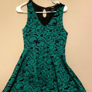Poison Ivy Hot Topic Dress